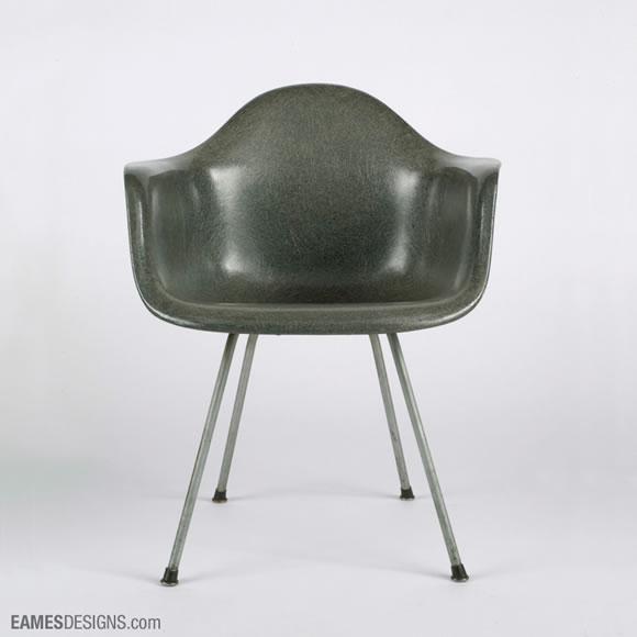 design produit les chaises eames. Black Bedroom Furniture Sets. Home Design Ideas